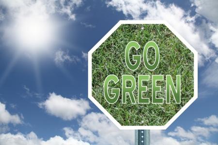 green sign: Vai segno verde Archivio Fotografico