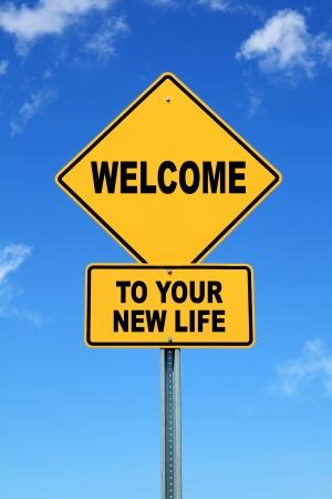 Sárga motivációs út jele Üdvözöljük az új élet