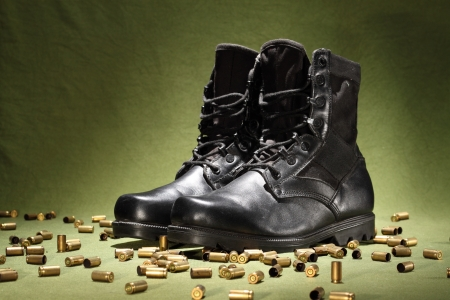 steel toe boots: Boots