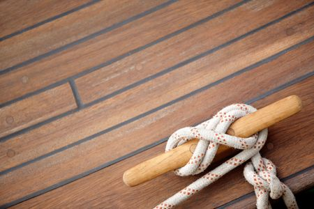bonding rope: Tied up with a knot in a mooring rope