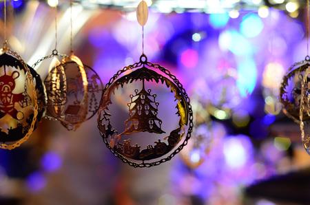 Christmas toys at the fair. Fir Tree Toys Stockfoto
