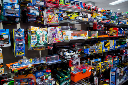 Soest, Germany - December 13, 2018: Different toys in the store. Foto de archivo - 114642872