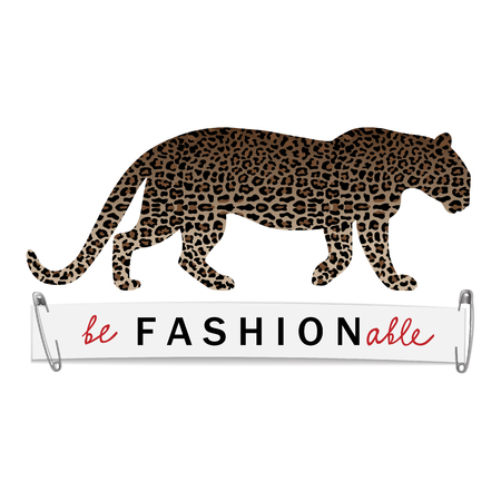 Be Fashionable T-shirt print with leopard silhouette and pattern