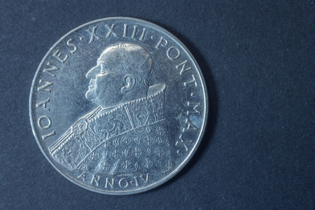 anno: A Hundred Lire Ioannes XXIII Second Vatican Council - Anno IV - 1962 head coin, vintage antique old, difficult and rare to find.