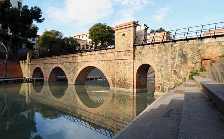 viaducts: Bridges over water