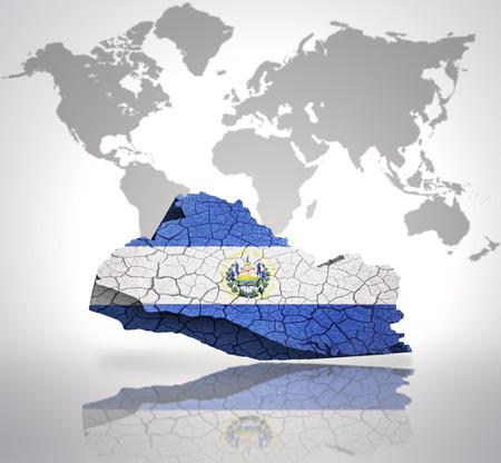 mapa de el salvador: Mapa de El Salvador con la Bandera de El Salvador en un mapa del mundo de fondo Foto de archivo