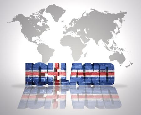 icelandic flag: Palabra Islandia con la bandera de Islandia en un mapa del mundo de fondo