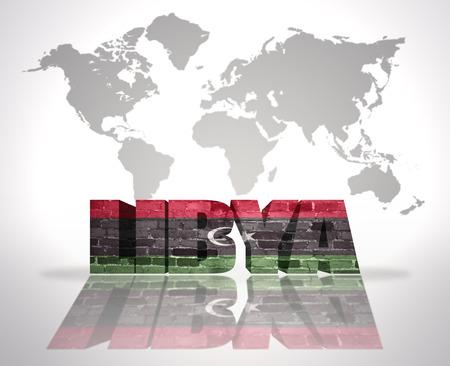 libysch: Wort Libyen libyschen Flagge auf einer Weltkarte Hintergrund