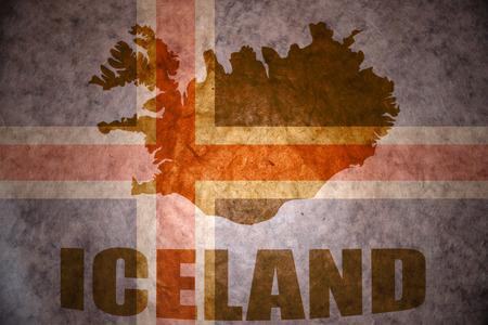 icelandic flag: mapa islandia en un fondo de la bandera de Islandia vendimia