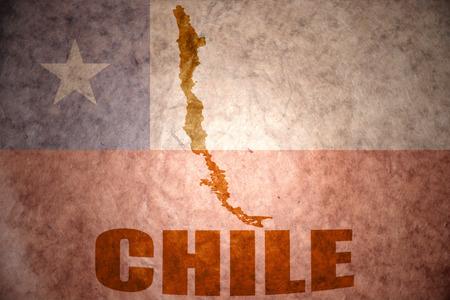 chilean flag: Chile mapa en un fondo de la bandera chilena vendimia