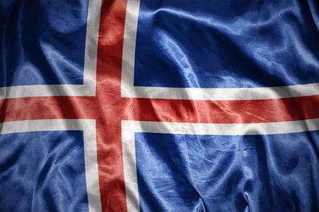 icelandic flag: saludando y brillante bandera islandesa