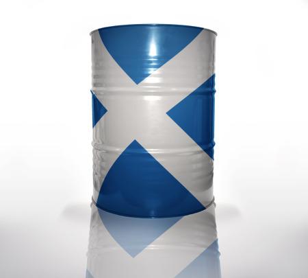 scottish flag: barile con bandiera scozzese su sfondo bianco