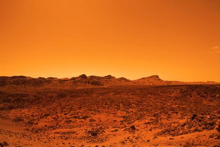 Verlaten aardse planeet in oranje kleuren