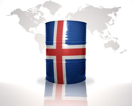 icelandic flag: barril con la bandera de Islandia en el mapa del mundo de fondo