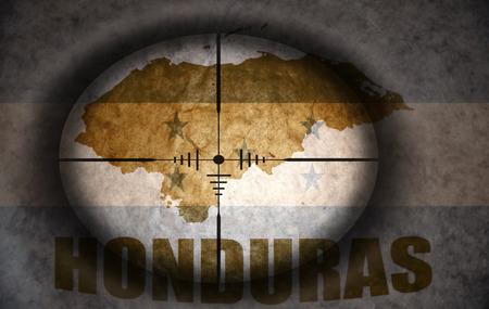 bandera de honduras: mira telesc�pica dirigido a la bandera Honduras �poca y mapa