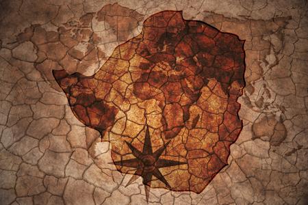 zimbabue: Mapa de Zimbabwe en la grieta de la vendimia fondo de papel