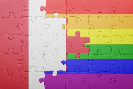 bandera gay: puzzle con la bandera nacional de Per� y la bandera gay.