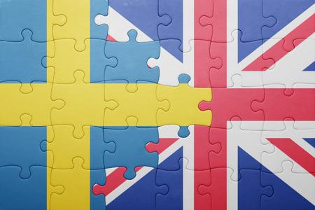 puzzel met de nationale vlag van Groot-Brittannië en Zweden. concept