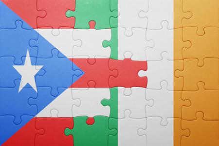 bandera de puerto rico: puzzle con la bandera nacional de Irlanda y Puerto Rico. concepto Foto de archivo