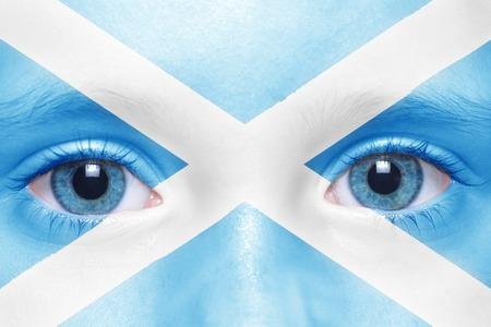scottish flag: Il viso di bambino con bandiera scozzese