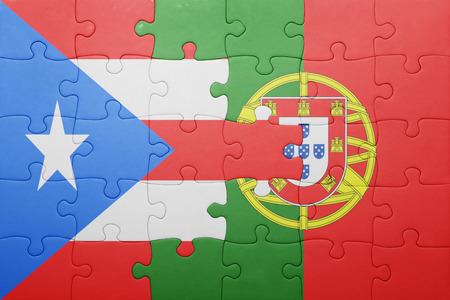 bandera de puerto rico: puzzle con la bandera nacional de Portugal y Puerto Rico. concepto Foto de archivo