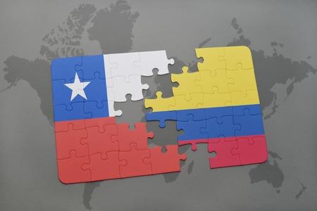 bandera chilena: puzzle con la bandera nacional de Chile y Colombia en un mapa del mundo de fondo. ilustración 3D