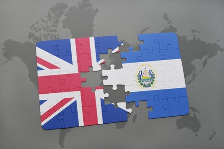 mapa de el salvador: puzzle with the national flag of great britain and el salvador on a world map background.