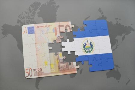 mapa de el salvador: puzzle con la bandera nacional de El Salvador y los billetes en euros en un mapa del mundo de fondo. ilustración 3D