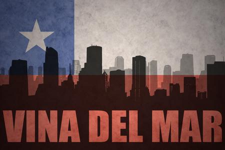 bandera chilena: silueta abstracta de la ciudad con el texto de Viña del Mar en el fondo de la bandera chilena de la vendimia