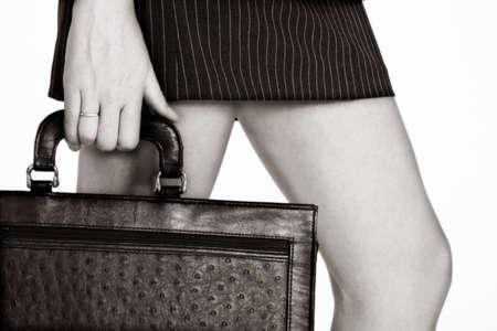 falda corta: negocios en breve la celebraci�n de una falda caso. suave acabado Sepia.