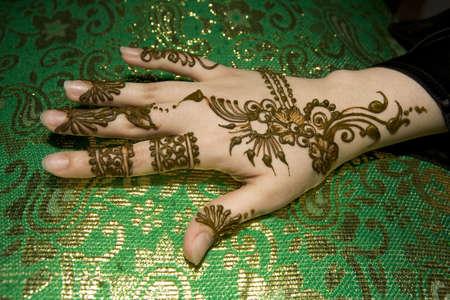 femmes muslim: Mouill� belle henn� sur une conception musulmane womans part