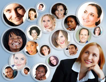 Ilustración de la empresaria joven feliz con su red social de amigos y clientes. Foto de archivo