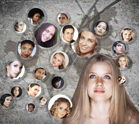 conexiones: hermosa joven cauc�sica con red social de j�venes peer amigos hombres y mujeres en sus 20 a�os en fondo grunge con un mapa Foto de archivo