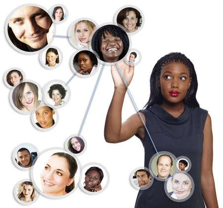 Ilustración de una joven empresaria estadounidense ordenar su red social de amigos y clientes Foto de archivo