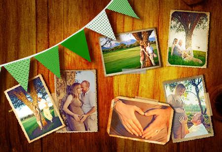 collage de photos du couple enceinte en plein air sur une journée d'été au coucher du soleil sur un fond en bois avec des drapeaux verts.