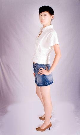 studio de tournage d'une belle jeune femme asiatique