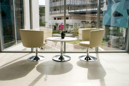 近代的なオフィスビルのインテリアと装飾の設計