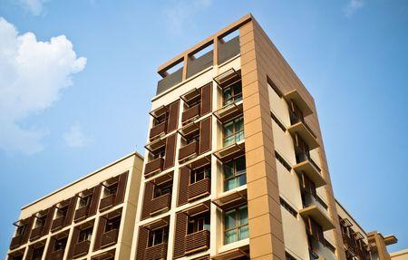 commercial real estate: Vista exterior del moderno edificio de la casa de la ciudad en Singapur
