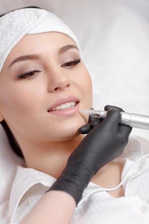 Permanent Make-up Lippen Standard-Bild - 70502215