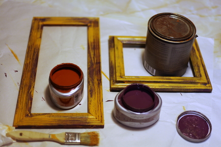 Crafts: Wooden Frames and Paint 版權商用圖片