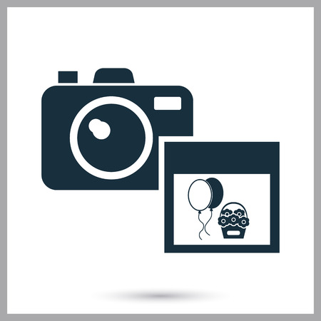 photo icon: Photo camera icon on the backgrond