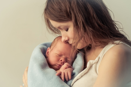 bebes recien nacido: mam� poco de alegr�a