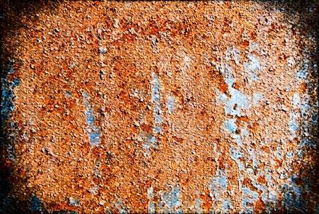 oxidized: Hoja de metal oxidado cubierto con pintura vieja