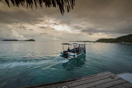 Pier nell'isola di Bora Bora. Polinesia francese.