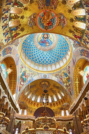 Kronstadt, Saint-Petersburg, Russia - July 13, 2013: : Jesus Christ and Apostles in interior of The Naval Orthodox Cathedral of Saint Nicholas Imagens