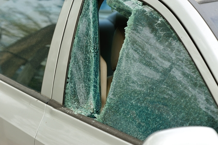 robbery: robbery broken car windshield
