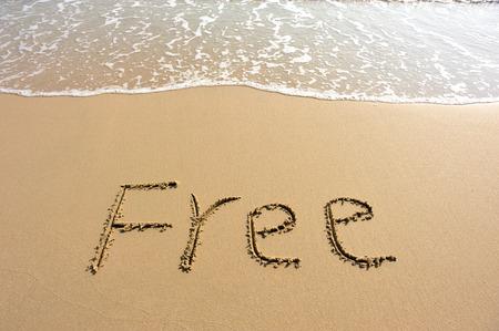 Wort freien Zug am Strand Sand