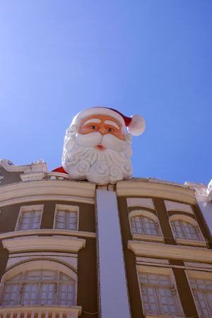 Papa noel on top of the roof
