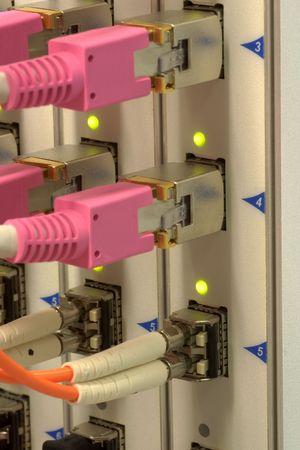 alto rendimiento: Hardware de red de rendimiento alto �ptico