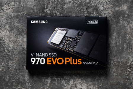 Varna, Bulgaria, January 08, 2021. Samsung NVMe SSD 970 EVO Plus box on a dark background. Small and fast solid state drive. Modern desktop pc hardware components for build and upgrade. Top view. 新闻类图片